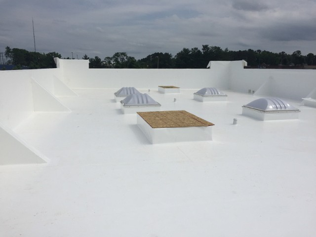 flat commercial roof with dura last membrane